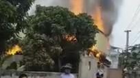 Chồng tẩm xăng đốt nhà do mâu thuẫn vợ, 3 người thương vong