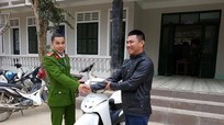 Lên huyện biên giới Kỳ Sơn nhận lại xe máy mất trộm
