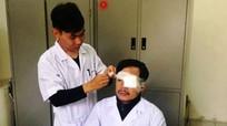 Khởi tố đối tượng đấm liên tiếp vào mặt bác sĩ khi đang cấp cứu bệnh nhân