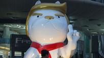 Trung Quốc: Trung tâm mua sắm dựng tượng linh vật giống Tổng thống Mỹ