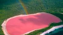 Bí mật hồ nước hồng, dung nham xanh, mưa 'máu'...