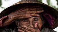Ảnh 'Cụ bà Việt đẹp nhất thế giới' được bán giá gần 700 triệu đồng