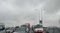 VEC E từ chối phục vụ vĩnh viễn 2 ô tô đi cao tốc