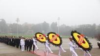 Đoàn lãnh đạo Đảng, Nhà nước vào Lăng viếng Chủ tịch Hồ Chí Minh