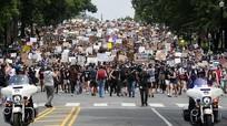 Hàng vạn người biểu tình ào ạt đổ về, giao thông Washington tê liệt