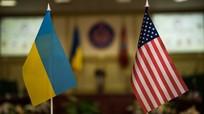 Thượng nghị sĩ Mỹ tiết lộ Tổng thống Ukraine Zelensky 'xin được cung cấp vũ khí mới'