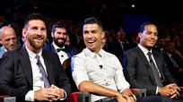 C. Ronaldo và Messi làm fan 'mát lòng' khi hai ngôi sao 'chập quỹ đạo' tại sự kiện
