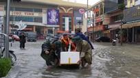 Nghệ An: Hàng nghìn lượt cán bộ, chiến sỹ bộ đội khẩn trương giúp dân chạy lụt