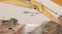 Người dân phát hiện cô gái trẻ tử vong khi nạo vét kênh Vách Bắc ở Nghệ An