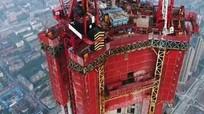 Cỗ máy xây nhà chọc trời nặng 2.000 tấn của Trung Quốc