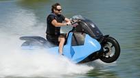 Xe máy có thể chạy trên mặt nước với vận tốc 60 km/h