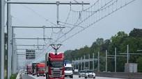 Con đường sạc điện cho xe ngay trong lúc chạy ở Đức