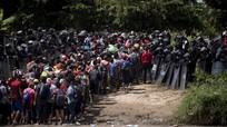 Tổng thống Mỹ: Quân đội sẽ bắn trả những người di cư ném đá vào binh sĩ