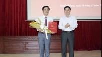 Trao quyết định bổ nhiệm Phó Bí thư Huyện ủy Tương Dương