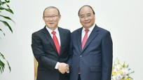 Thủ tướng tiếp Huấn luyện viên Park Hang-seo