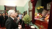 Tổng Bí thư, Chủ tịch nước dâng hương tưởng niệm Chủ tịch Hồ Chí Minh