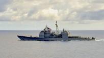 Tàu mang tên lửa dẫn đường của Mỹ hoạt động tự do hàng hải gần Trường Sa