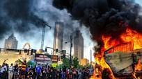 Nước Mỹ phải phong tỏa nhiều thành phố, huy động vệ binh quốc gia để đối phó với người biểu tình