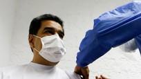 Tổng thống Venezuela và phu nhân tiêm vaccine ngừa Covid-19 do Nga sản xuất