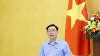 Chủ tịch Quốc hội Vương Đình Huệ: Đừng để vừa mất tiền, vừa mất người