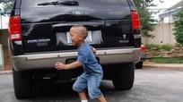 Cảnh báo từ những vụ tai nạn đau lòng khi lùi xe ô tô!