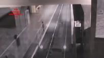 """Camera ghi cảnh """"đoàn tàu ma"""" đi vào sân ga ở Trung Quốc"""