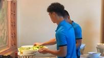 Tiết lộ thực đơn đặc  biệt, hỗ trợ tăng thể lực cho các cầu thủ Việt Nam