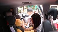 Đảm bảo an toàn cho trẻ em khi ngồi trên ô tô