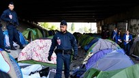 Mỹ giới hạn visa của nghiên cứu sinh TQ; Pháp giải tỏa khu trại tạm cho người tị nạn