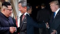 Trump và Kim đặt chân tới Singapore; Taliban tấn công cảnh sát Afghanistan