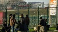 Kinh tế Mỹ có thể bị sụp đổ; Cuba cho phép nước ngoài vận hành đường sắt