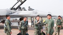 Phi công quân sự Ấn Độ thiếu ngủ vì quá ham mạng xã hội