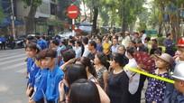 Người dân xếp hàng chờ đưa tiễn nguyên Tổng Bí thư Đỗ Mười