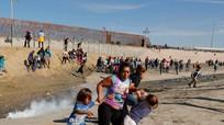 Quân đội Mỹ sử dụng khí cay trong đụng độ ở biên giới với Mexico