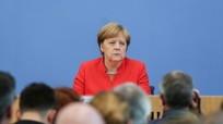 Thủ tướng Đức từ chức Chủ tịch đảng cầm quyền; Nga sẽ xét xử các thủy thủ Ukraine bị bắt
