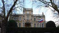Mỹ khẳng định vẫn chiến đấu chống IS; Nga và Anh dần khôi phục số nhân viên ngoại giao