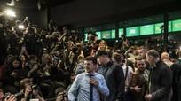 Bầu cử Ukraine: Ông Poroshenko và diễn viên hài Zelensky vào vòng đối đầu