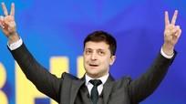 Diễn viên hài thắng cử tổng thống Ukraine; Algeria bắt 5 tỷ phú trong cuộc điều tra chống tham nhũng