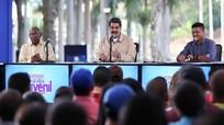 Rộ tin quân đội Venezuela từng ngầm thỏa thuận đảo chính; Amsterdam cấm xe chạy bằng xăng, dầu