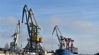 Uy tín Tổng thống Pháp Macron tăng nhẹ; Ukraine hy vọng nhận thêm viện trợ tài chính từ IMF
