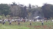 Cứu người sống sót sau vụ tai nạn máy bay Boeing-737 rơi ở Cuba