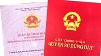 Khởi tố nữ nhân viên văn phòng đăng ký QSD đất cho bạn mượn 22 sổ đỏ của người dân