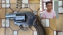 Bắt thanh niên mua súng qua mạng xã hội để đi đòi nợ