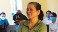 Lĩnh 4 năm tù vì đánh đập mẹ già 79 tuổi