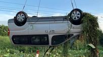 Khởi tố 5 đối tượng trong vụ xe ô tô lao xuống kênh làm 6 người chết