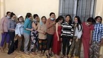 Bắt hàng chục phụ nữ 'sát phạt' nhau trong căn nhà hoang