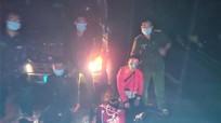 Truy bắt 2 thanh niên 'thông chốt' kiểm soát Covid, chống người thi hành công vụ