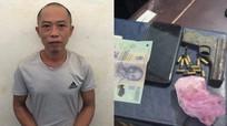 Bắt đối tượng buôn ma túy 'thủ' theo súng đạn quân dụng