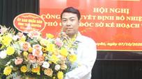 Cách chức Phó Giám đốc Sở sàm sỡ nữ nhân viên tại phòng làm việc