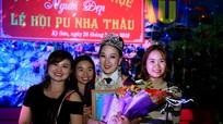 Cô gái người Mông giành giải Nhất thi trang phục người đẹp lễ hội đền Pu Nhạ Thầu